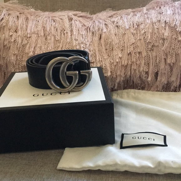 69f9881eb Leather Gucci belt with silver double G buckle. M_5a8306d91dffda51fea4a7e0